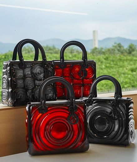 Lady Dior Art : Kohei Nawa applique des organismes biologiques sur un sac