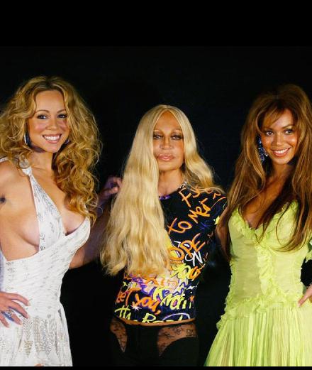 Donatella Versace en 9 photos avec des stars