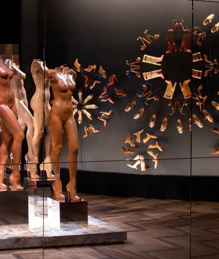 L'exposition dédiée à Christian Louboutin est prolongée jusqu'en 2021