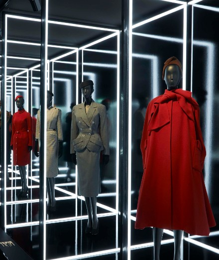 """Vidéo : revivez l'exposition """"Dior designer of dreams"""" depuis chez vous"""