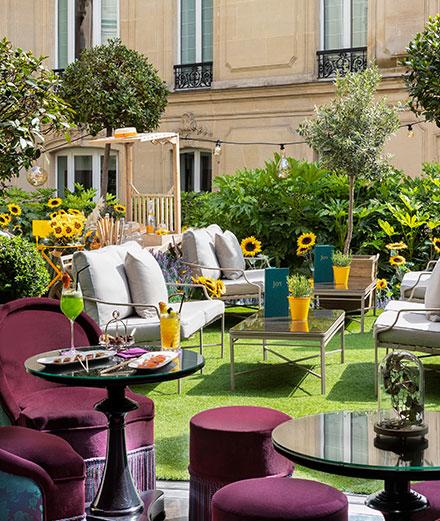 Joy, la terrasse cachée de l'hôtel Le Fouquet's sur les Champs-Elysées