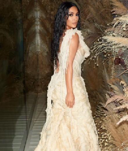 Kim Kardashian: 9 of her most vintage looks on Instagram