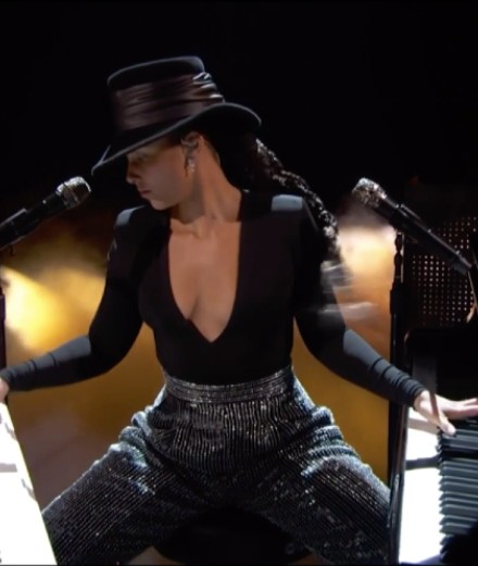 Valentino invite Alicia Keys en live sur Instagram