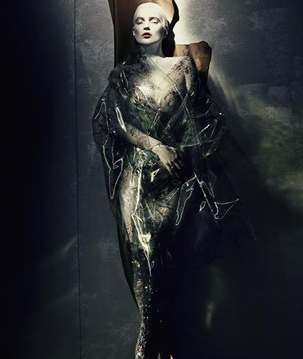 La haute couture de Dior sous l'objectif de Paolo Roversi