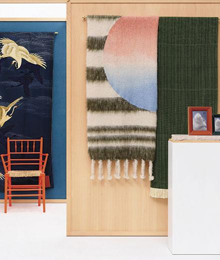 Loewe célèbre l'artisanat au Salone del Mobile