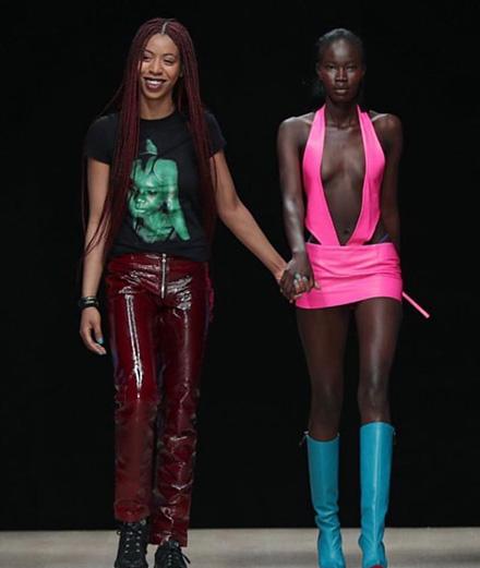 Qui est Mowalola Ogunlesi, la créatrice adulée par Kanye West et Naomi Campbell?