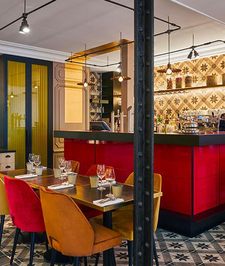 Redécouvrir la cuisine française à travers les épices chez Caïus