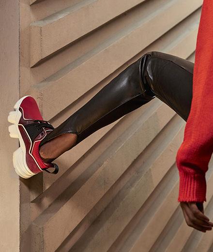 À quoi ressemble la première basket pour femme de Clare Waight Keller chez Givenchy?