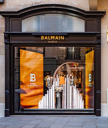 Balmain inaugure une somptueuse boutique rue Saint-Honoré