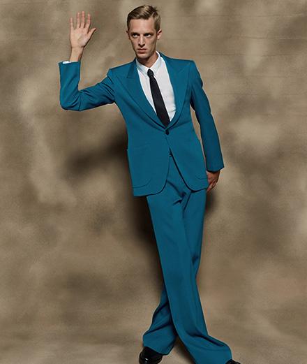 Le costume selon 19 designers