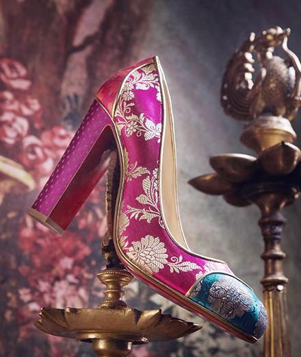 L'objet du jour : l'escarpin en sari tissé de Christian Louboutin