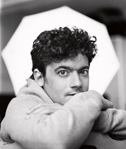 Portrait de Clément Cogitore, prix Marcel Duchamp 2018