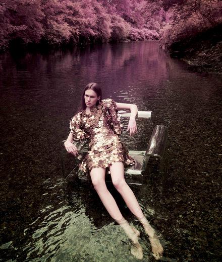 "Exclusive : ""Life on Mars"" a fashion story by Sølve Sundsbø"