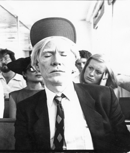 Andy Warhol : les 10 choses à retenir de sa bio culte enfin disponible en français