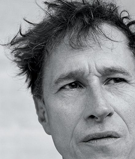 """Rencontre avec Bertrand Bonello : """"J'ai tellement peur de ne plus faire de films que je mets tout chaque fois."""""""