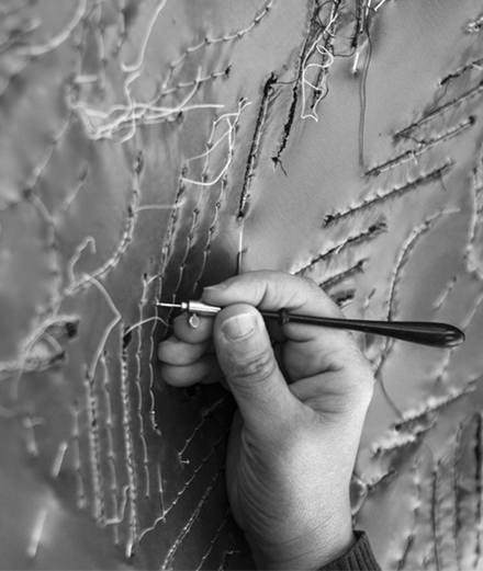 Chanel Métiers d'art : visite guidée dans les ateliers de broderie Lesage
