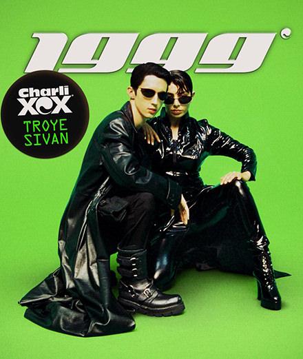 """1999"", la parodie terriblement nostalgique de Charli XCX et Troye Sivan"