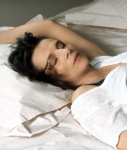 """En direct de Cannes: sous le charme d'""""Un beau soleil intérieur"""" de Claire Denis"""