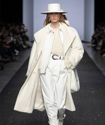 Alberta Ferretti Fall-Winter 2019-2020 fashion show