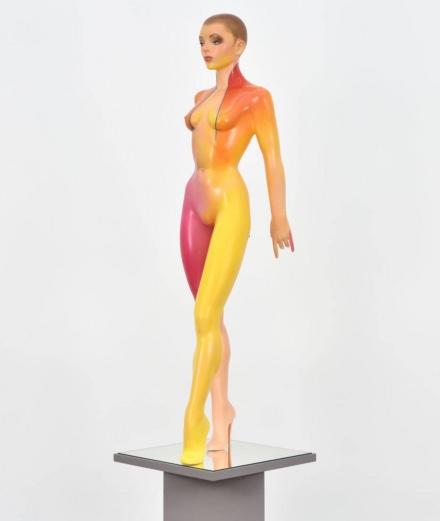 Les sculptures de femmes scandaleuses d'Allen Jones