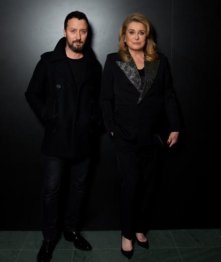 """Quelles personnalités étaient présentes à la soirée """"Belle de jour"""" organisée par Saint Laurent à New York ?"""