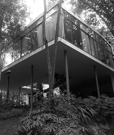 Une maison moderniste en plein cœur de la forêt brésilienne