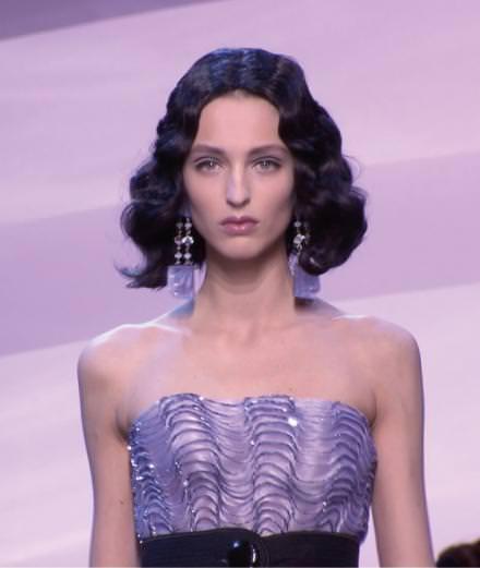La vidéo du défilé Armani Privé haute couture printemps-été 2016