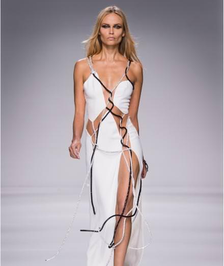 Le défilé Atelier Versace printemps-été 2016
