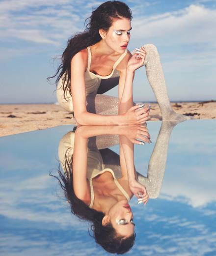 """Exclusif : la série mode """"De l'autre côté du miroir"""" par David Bellemère"""