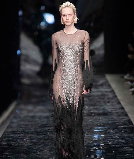 Le défilé Azzaro haute couture printemps-été 2019
