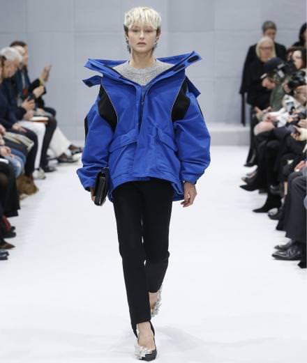 Balenciaga fall-winter 2016-2017 runway show