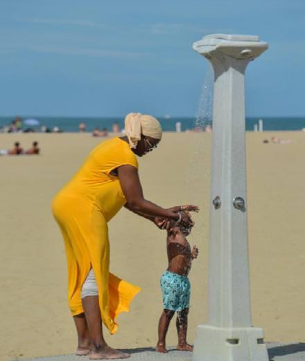 Les sublimes photos de la plage de Deauville de Béatrice Augier exposées à Planche(s) Contact