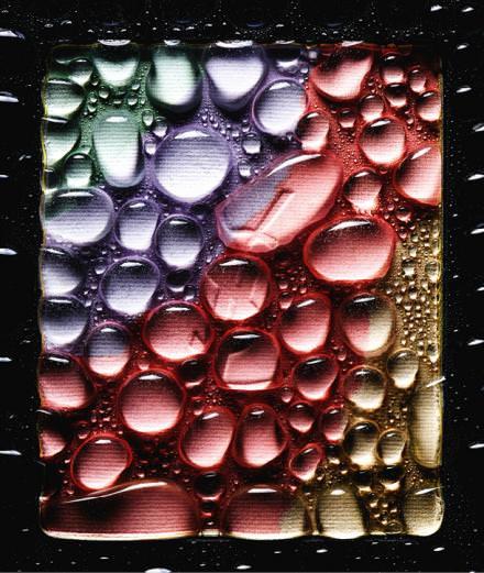 """""""Teardrops"""", les blushs printaniers photographiés par Guido Mocafico"""