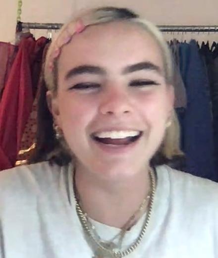 L'interview FaceTime avec… BENEE, la Billie Eilish néo-zélandaise