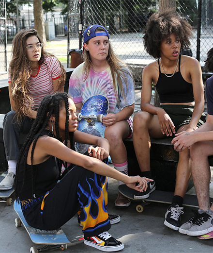 Un gang de skateuses ride dans New York