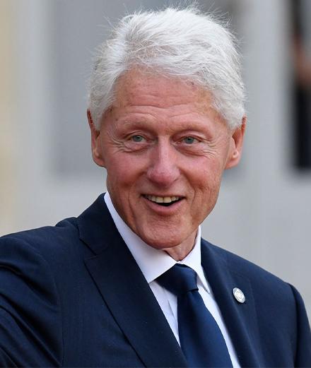 Bill Clinton dévoile ses talents dans un nouveau thriller