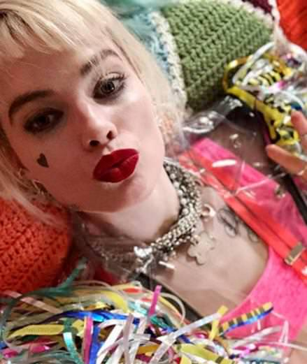 "Margot Robbie renfile le costume d'Harley Quinn dans le teaser de ""Birds of Prey"""