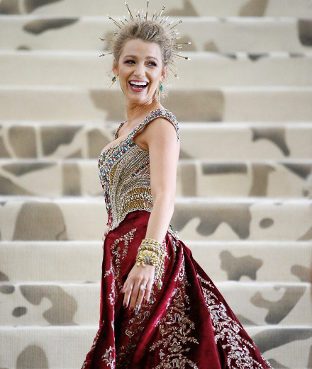 Blake Lively in seven breathtaking outfits on Instagram