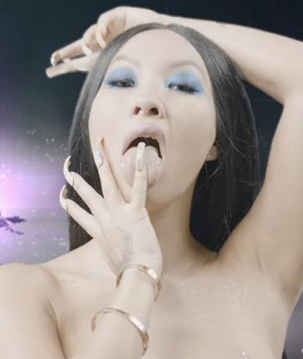 La rappeuse Brooke Candy réalise un film porno, entre papillons, orgasmes et transexuels