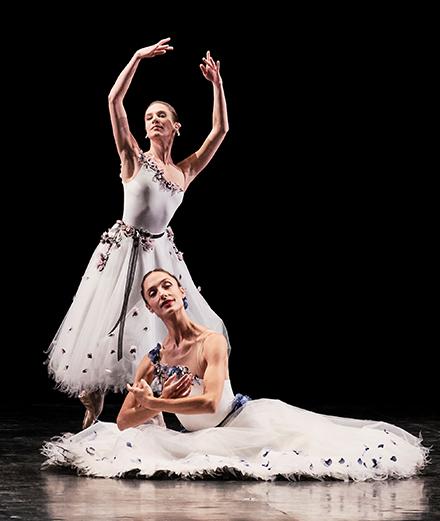 Chanel confectionne les costumes de l'Opéra de Paris