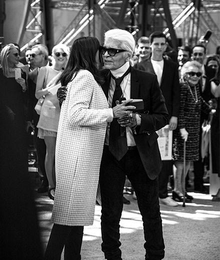 Au défilé Chanel, Karl Lagerfeld rend hommage à Paris