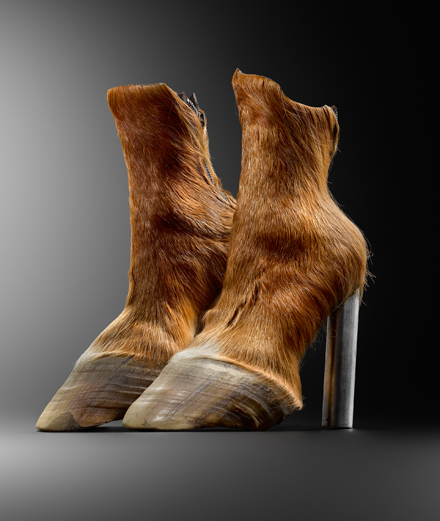 6 paires de chaussures incroyables exposées au MAD