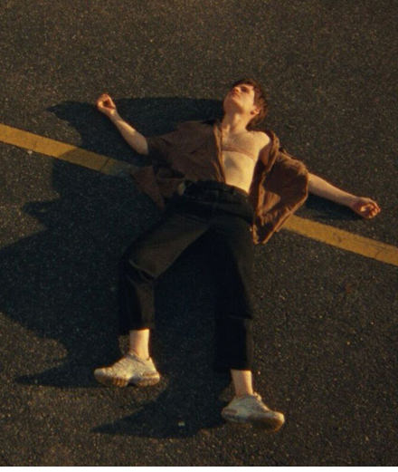 """L'épopée amoureuse de Christine and the Queens le temps d'une danse dans son nouveau clip """"Doesn't Matter (Voleur de soleil)"""""""