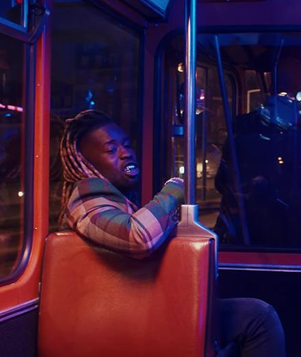 Jok'Air drague dans un bus à Châtelet les Halles