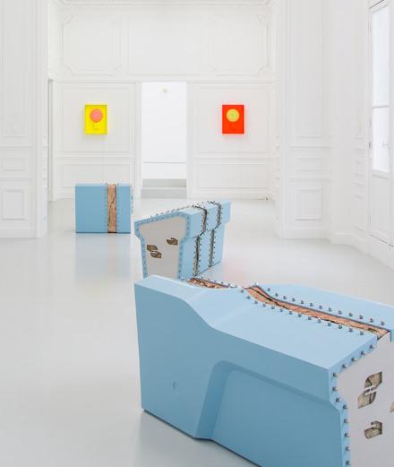 Cooper Jacoby : couleurs candides pour œuvres malades à la galerie High Art