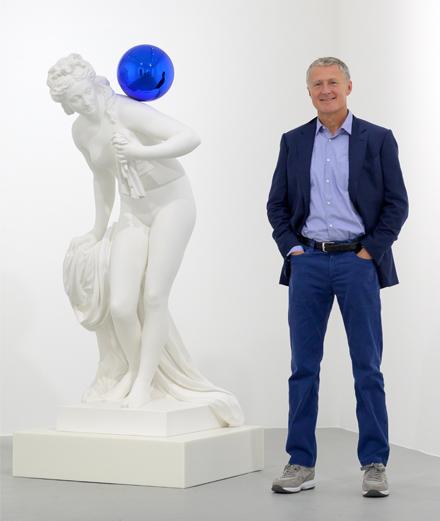 Qui est David Zwirner, le géant de l'art qui s'installe à Paris ?