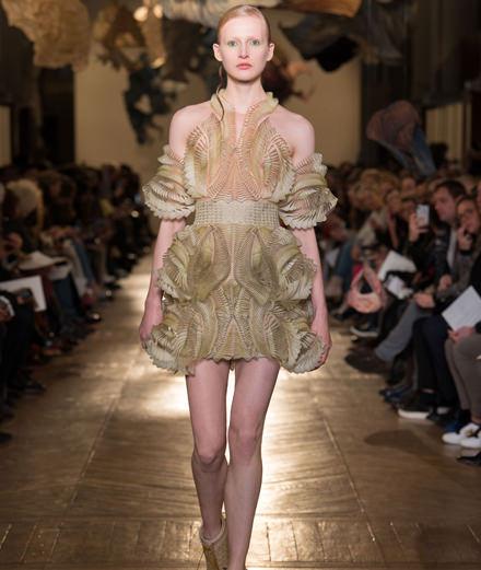 Le défilé couture Iris Van Herpen printemps-été 2018