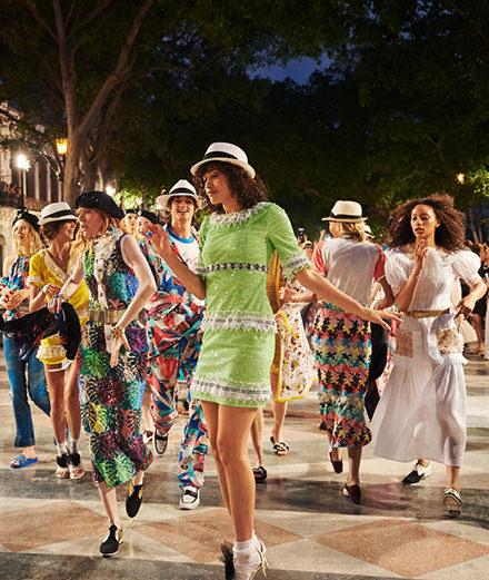 Le défilé Chanel Collection croisière 2016-2017 à Cuba