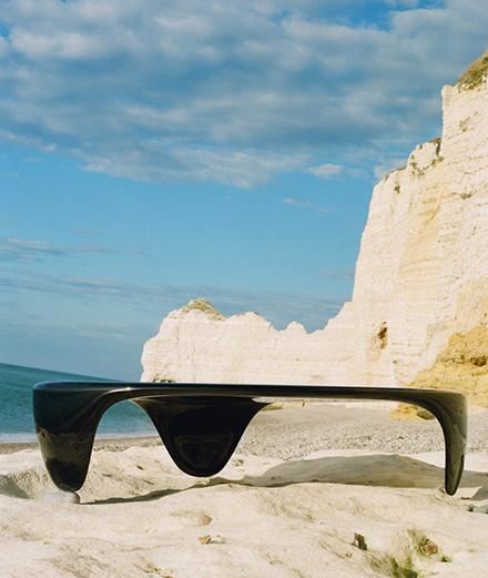 Le design s'invite sur les rochers d'Étretat avec Franck Genser