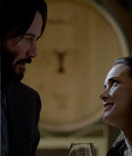 """Winona Ryder et Keanu Reeves déchirent l'amour dans le film """"Destination Wedding"""""""